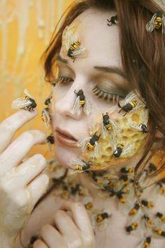 Mother Queen by Pancake-mix on DeviantArt Bee Makeup, Scary Makeup, Makeup Art, Halloween Queen, Halloween Makeup, Halloween Ideas, Photographic Makeup, Bee Illustration, Hair Shows