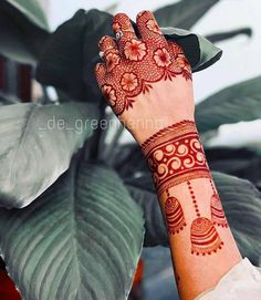 Mehandi Design For Hand, Palm Mehndi Design, Henna Tattoo Designs Arm, Finger Henna Designs, Mehndi Designs Feet, Latest Bridal Mehndi Designs, Modern Mehndi Designs, Mehndi Design Pictures, Mehndi Designs For Girls