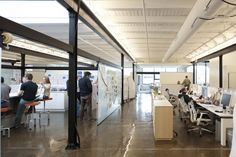 Monos Minneapolis - good desk/display integration