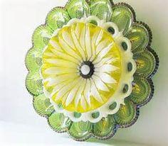 ... Carnival Glass Garden Art Sculpture Yard Decor Egg Plate Flower