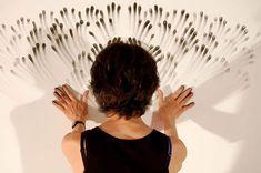 """La paciencia del """"Fingers Art"""" o """"Arte con Dedos"""" por Juduth Ann Braunn´s.    Con una carrera y trayectoria artística de más de 3 décadas, Judith Ann Braun ha incursionado mirando hacia el futuro, en un tipo de arte en donde su cuerpo es el instrumento con el cual plasma lo que ella llama el arte del """"Pintor de figura realista""""."""
