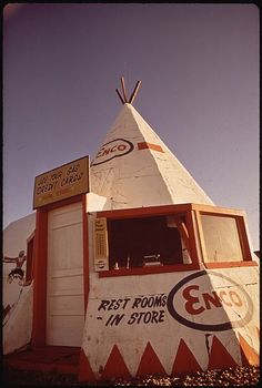 TEPEE GAS STATION ON ROUTE 66
