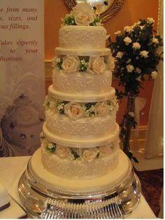 Traditional wedding cakes By My Wedding Dream