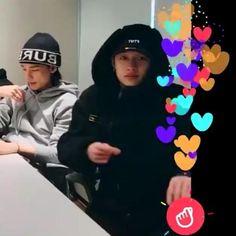 Stray Kids Chan, Stray Kids Seungmin, Felix Stray Kids, J Hope Dance, Savage Kids, Chris Chan, Kids Icon, Kid Memes, Crazy Kids