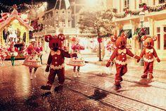 The Cherry Blossom Girl - Disneyland Paris Christmas Parade Backstage 26