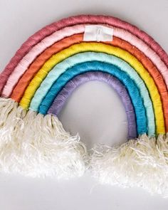 easy DIY- how ot make a rainbow wall hanging out o Macrame Projects, Craft Projects, Diy For Kids, Crafts For Kids, Rainbow Decorations, Rainbow Crafts, Rainbow Wall, Yarn Crafts, Fiber Art
