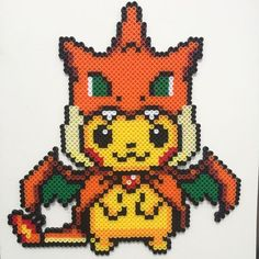 Pika Pika Pikachu se montre en perles à repasser hama pokemon perler beads Pikachu Hama Beads, Pyssla Pokemon, Perler Bead Pokemon Patterns, Hama Beads Patterns, Hama Beads Kawaii, Perler Bead Designs, Perler Bead Art, Dragon Pokemon, Pokemon Pearl