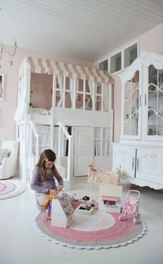 A beautiful little life: children's bed