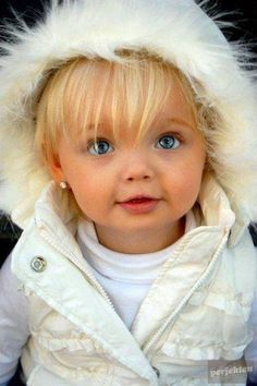 My kids will looks like this. except with brown hair. AWW!