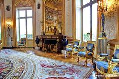 Hôtel de Salm (1787)  Edifié par l'architecte Pierre Rousseau pour le compte d'un prince allemand, Frédéric de Salm-Kyrbourg. Incendié en 1871 et réaménagé intérieurement. Palais de la Légion d'honneur. Salon de la Rotonde