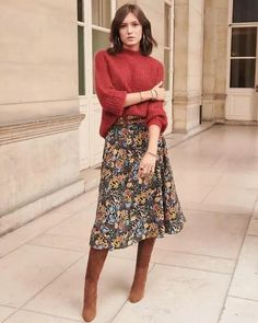 Fall Outfit - Floral Skirt, Boho Shoes & Hippie Sweater Fall Outfit - Floral Skirt, Boho Shoes & Hippie Sweater Bohemian fashion ideas for inspired women, hippie style clothing<br> Mode Outfits, Fall Outfits, Fashion Outfits, Fashion Ideas, Fashion Skirts, Fashion Hacks, Fashion 2018, Ladies Fashion, Fashion Styles