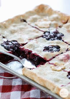 Mixed Berry Slab Pie | Inspired by Charm #ayearofpie