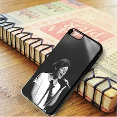 Louis Tomlinson Boyband Singer One Direction Louis iPhone 6|iPhone 6S Case