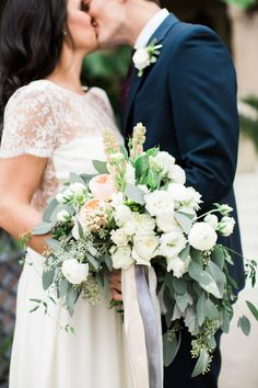 Photography : Loft Photography Read More on SMP: http://www.stylemepretty.com/2016/04/11/wedding-with-earthy-floral-greenery/