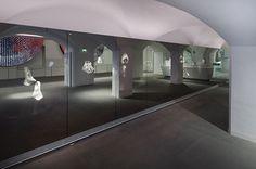 Spiegelwand | vidre glastoepassingen | Leiden
