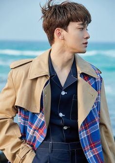 Find images and videos about exo, Chen and kim jongdae on We Heart It - the app to get lost in what you love. Daejeon, Suho, Exo Chen, Kai, Kpop Exo, Exo K, Kim Jong Dae, Exo Album, Exo Official