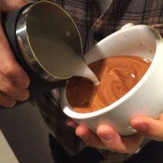 この前撮ったやつ #coffee#latte#latteart#slow#wing#tulip#wingtulip#slowwingtulip#freepour#12oz#ラテボウル