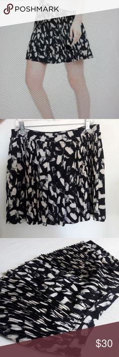 "Banana republic pleated lined skirt Size 8  Measurements approximately  Length 17 "" Banana Republic Skirts Mini"