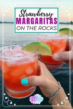 Wondering how to make a simple strawberry margarita at home? This summer cocktail is a necessity for the hot months ahead. My easy margarita recipe made with st Perfect Margarita, Mango Margarita, Mojito, Strawberry Simple Syrup, Strawberry Recipes, Strawberry Summer, Fresh Strawberry Margarita Recipe On The Rocks, Strawberry Cheesecake, Cinco De Mayo