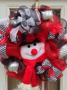 Red, Black and White Deco Mesh Christmas Wreath Deco Mesh Crafts, Wreath Crafts, Diy Wreath, Wreath Ideas, Christmas Mesh Wreaths, Christmas Decorations, Winter Wreaths, Christmas Projects, Holiday Crafts