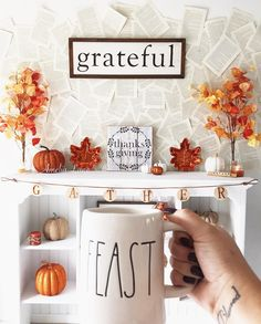 "128 Likes, 8 Comments - Britt💗🌿HomeDecor🌿DIY🌿Coffee🌿 (@amelialane_) on Instagram: ""Good Morning!🌤 May all of your Monday's be short and your coffee strong!☕️🍂🍁🍂🍁 . . . #raedunn…"""
