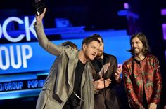 Imagine Dragons Daily | Fansite — Imagine Dragons accepts award for Favorite Duo or...