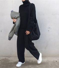 37 Ideas Sneakers Fashion Outfits Minimal Chic All Black Fashion Mode, Look Fashion, Korean Fashion, Winter Fashion, Fashion Black, Normcore Fashion, Normcore Outfits, Trendy Fashion, Trousers Fashion