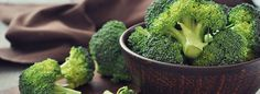 You already know that broccoli belongs in a healthful, plant-based diet, but this cruciferous vegetable can provide a bigger nutrition boost if you prepare it a certain way.: Why You Should Eat Broccoli Every Single Day Natural Cancer Cures, Natural Cures, Broccoli Health Benefits, Broccoli Nutrition, Broccoli Sprouts, Broccoli Juice, Fresh Broccoli, Broccoli Florets, Growing Broccoli