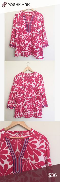 """Boden Magenta Beach Tunic Kaftan Blouse This tunic is super breathable, lightweight, and 100% cotton. Size 16, 29.5"""" long, 22"""" pit to pit. No trades, offers welcome! Boden Tops Tunics"""