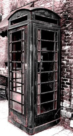old phone booth in my village, altered photo Cell Phone Kiosk, Cell Phone Store, Old Cell Phones, Old Phone, Telephone Booth, Vintage Telephone, Cell Phone Protection, Historic Homes, Rustic Chic