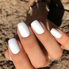 Want some ideas for wedding nail polish designs? This article is a collection of our favorite nail polish designs for your special day. White Shellac Nails, Clear Acrylic Nails, Simple Acrylic Nails, Summer Acrylic Nails, White Manicure, Oval Nails, Gorgeous Nails, Pretty Nails, Faux Ongles Gel