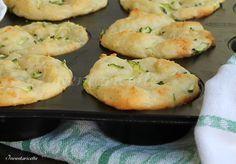 Muffin patate e zucchine sofficissimi Saporiti, gustosi, facilissimi da preparare. Si impastano in un attimo, tempo di raddoppiare di volume e si infornano
