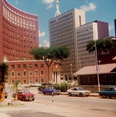 the Reserve Bank (where I worked) is out of picture just behind the curved Anglo-American Corporation building Zimbabwe History, Johannesburg City, African Image, Maldives Honeymoon, Pop Art Wallpaper, Out Of Africa, All Nature, Salisbury, Its A Wonderful Life