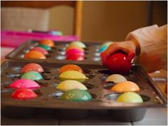 Rather than using just a few cups, you can create a variety of colors, and each egg can sit in the dye for a little longer. This also cuts down on cleaning. Lots of other muffin ideas on this site!