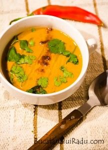 Supa de fasole arabo-saudita. Supa crema vegetariana. Thai Red Curry, Food And Drink, Soup, Ethnic Recipes, Cream, Soups, Soup Appetizers