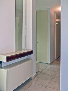 Berliner Penthouse- Wohnung, Schubladen und- Schuhschrank in Tropenholz und Corian harryclark colour4design.de