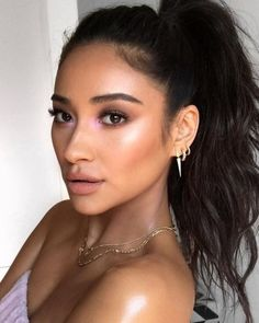 Who said you can't glow in color? Make-up artist Patrick Ta gave clients Shay Mitchell (pictured), and Joan Smalls, an iridescent purple inner-eye-corner highlight Makeup Trends, Beauty Trends, Makeup Tips, Beauty Makeup, Eye Makeup, Beauty Hacks, Hair Beauty, Makeup Ideas, Makeup Geek