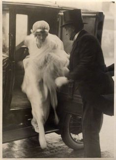 1920 Bride Winifred Radford with her father, singer Robert Radford, National Portrait Gallery, London.