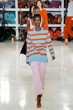 http://www.vogue.de/fashion-shows/new-york-fashion-week/fruehjahr-sommer-2018/sies-marjan