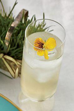 Cool, Refreshing Summer Cocktails: Sparkling Elderflower Lemonade