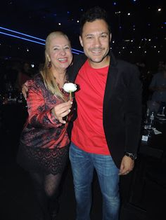 ♥ Lilian Gonçalves confere Show dos sertanejos Chitãozinho & Xororó e Bruno & Marrone ♥  http://paulabarrozo.blogspot.com.br/2016/04/lilian-goncalves-confere-show-dos.html