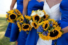Bridal Party Wedding Flowers Photos on WeddingWire