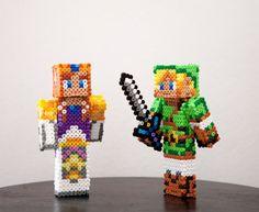 The Legend of Zelda characters Link and Zelda by BeadxBead on Etsy, €18.00 #LegendsofZelda #Toys #CustomSkins