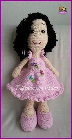 Tras la última publicación con la traducción de un patrón de Tiny Mini Design (Amigurumi Askina)  para tejer la muñeca , ahor...