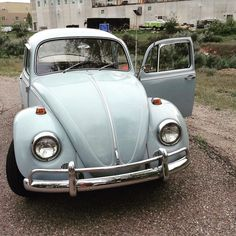 Zenith blue '67 VW-Beetle.