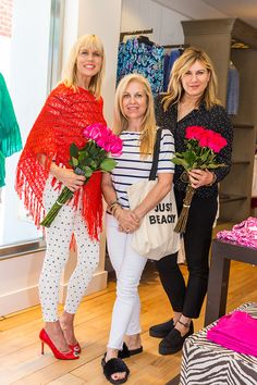 Nothing says summer weekend getaway quite like flowers and bright colors!