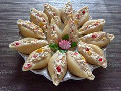 Sałatka z tuńczyka w muszlach makaronowych - Blog z apetytem Dessert, Blog, Healthy Recipes, Healthy Food, Banana, Fish, Meat, Ethnic Recipes, Polish Cuisine