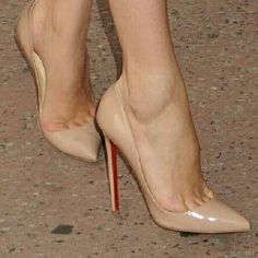 Love these nude christian louboutins! #christianlouboutin #redbottoms #nude #shoes #wow #want #igfamous #iphonesia #tumblr #love #sexy - @kesia101- #webstagram