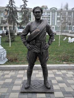 01 Памятник_товарищу_Сухову_(Самара)