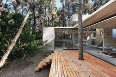 JD House by BAK Arquitectos Location: Mar Azul, Buenos Aires, Argentina Built: 2010 Photos by Mauricio Fuertes  #architetcture #house #contemporary